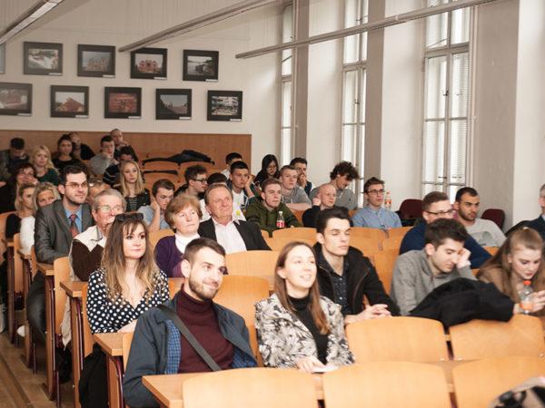Институт финансов и управления (VŠFS)